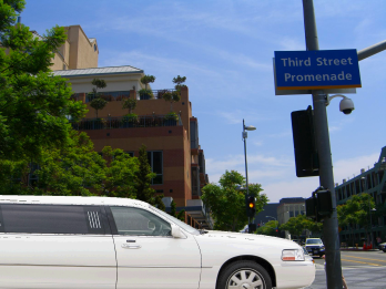 limousine-Santa-Monica-limo-service-in-LA